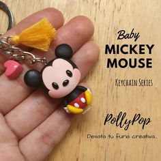 Discover recipes, home ideas, style inspiration and other ideas to try. Fimo Kawaii, Polymer Clay Kawaii, Fimo Clay, Polymer Clay Charms, Polymer Clay Jewelry, Disney Clay Charms, Polymer Clay Disney, Polymer Clay Christmas, Miki Mouse