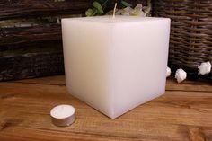 Κεριά μασίφ τετράγωνα σε χρώμα λευκό ΤΧ1515ΧΛΕ. Πλευρά: 15εκ. Ύψος: 15εκ. Pillar Candles, Taper Candles