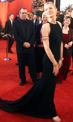 Cate blanchett, Oscar gowns and Backless dresses on Pinterest