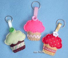 1001 Feltros: Guloseimas de feltro    Cupcakes and Donuts  (pictures only, no tutorials)