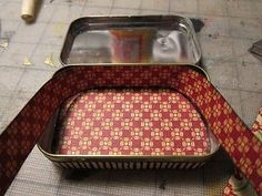 Tutorial: Altered Altoid Tin. How to cut scrapbook paper to fit on the Altoid tin. junk: