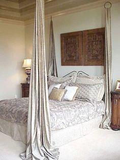 Tänk vad lite tyg kan göra för ett rum. Här är 35 helt ljuvliga sovrum med en sak gemensamt – en sänghimmel.