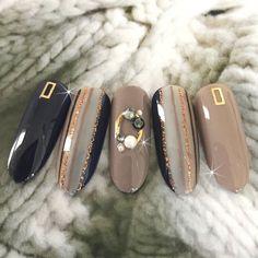 Get Nails, Fancy Nails, Bling Nails, Pretty Nails, Grey Nail Designs, Nail Art Designs Videos, Japanese Nail Design, Japanese Nails, Art Deco Nails