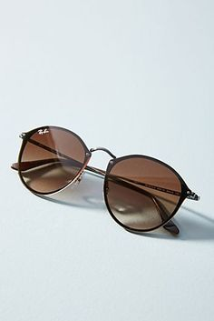 Discover unique Sunglasses at Anthropologie, including the seasons newest arrivals. Flower Sunglasses, Round Sunglasses, Sunglasses Women, Ray Ban Sunglasses, Cute Glasses, Glasses Frames, Ray Ban Mujer, Glasses Trends, Fashion Eye Glasses