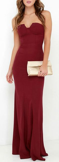burgundy long dress women fashion outfit clothing style apparel RORESS closet ideas hochzeitsgast weinrot Ladylove Wine Red Strapless Maxi Dress Source by Kleider weinrot Pretty Dresses, Beautiful Dresses, Burgundy Maxi Dress, Red Maxi, Festa Party, Women's Fashion Dresses, Maxi Dresses, Maxi Skirts, Wedding Dresses