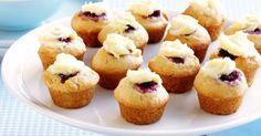 Raspberry creamcheese muffins Here& much ado about muffins! Try this easy recipe for a delicious, mouth-watering snack. Raspberry Cream Cheese Muffins Recipe, Mac And Cheese Muffins, Raspberry Muffins, Raspberry Cheesecake, Mini Muffins, Raspberry Cupcakes, Raspberry Recipes, Breakfast Muffins, Muffin Recipes
