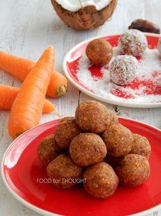 Food for thought: Τρούφες ενέργειας με καρότο, καρύδα, χουρμάδες και αμύγδαλα Energy Balls, Carrot Cake, Carrots, Almond, Snacks, Drinks, Recipes, Food, Drinking