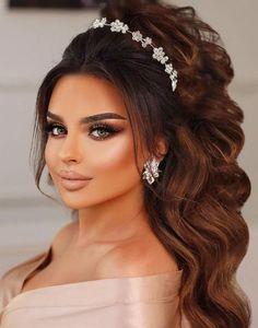 Tiara modelatoare Imperiale cu flori albe Band, Diamond, Model, Beauty, Fashion, Moda, Sash, Fashion Styles