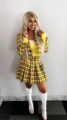 DIY and create your very own cher clueless outfit. Yes I am talking about that yellow plaid skirt woren by Alicia Silverstone in the 1995 cult fav Clueless. Yellow Plaid Skirt, Yellow Cardigan, Plaid Skirts, Cher Clueless Outfit, Clueless Costume, Indie Fashion, 90s Fashion, Fashion Outfits, Kobe