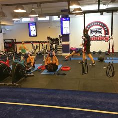 Back #training @f45londonbridge today - Athletica which is a #HIIT style training session. Uber friendly uber effective and strangely #fun! Not just #cardio strength & resistance exercises too - every #workout is different every week for 2 years! I'll be writing more about this on my blog over the next few weeks including an interview with the owner Rob. #healthyliving #fitfam #fitness #fitnessmotivation #london #londonlife #healthychoices #londonfitness