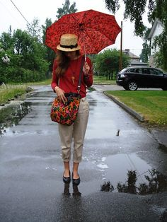 Cute, though I would never use that umbrella. No self-respecting Seattlite would :)