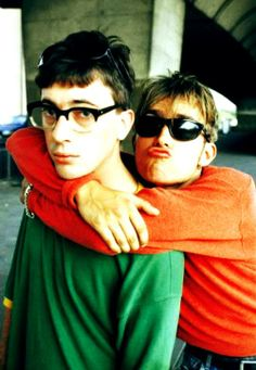 Graham Coxon & Damon Albarn of Blur. Blur saw massive success in the 90s, no thanks to some very catchy riffs from guitarist Coxon. In early 2000s Coxon announced he was leaving the band. Blur ended up releasing an album without Coxon (to mixed reviews), Coxon meanwhile attempting a solo career (to mixed reviews).
