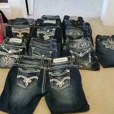 Rock revival capris*TRADED* Like new! No wear...so pretty! No gems missing. Style Becky easy capri nwot Rock Revival Jeans