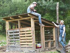 Pallet Coop Construction Chicken Coop Pallets Walk In