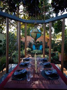 Very creative dining outdoor idea