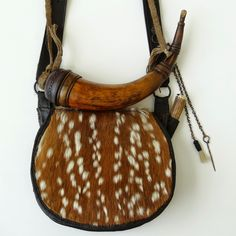 Contemporary Makers: Calvin Tanner Hunting Pouch with Mike Small Powder Horn