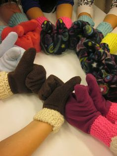 Mittens Diy Crafts For School, Crafts For Kids, Arts And Crafts, Diy Clothes, Fingerless Gloves, Arm Warmers, Mittens, Textiles, Sewing