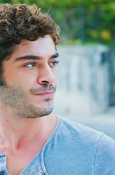 Turkish Men, Turkish Beauty, Turkish Actors, Lovely Eyes, Beautiful Men, The Americans Tv Show, Murat And Hayat Pics, Most Handsome Actors, Chocolate Boys