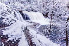 5. Hooker Falls blanketed in snow looks as if you've been transported straight to Narnia.