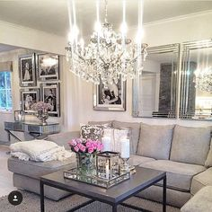 Matilde @homebymatilde has such a glamorous home! Her style is so chic- And I just love all her mirrors!