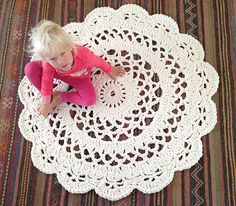 My Giant Crocheted Doily Rug Pattern In Finnish Matto – Ohje Suomeksi! Crochet Doily Rug, Crochet Rug Patterns, Crochet Carpet, Crochet Round, Doily Patterns, Crochet Home, Crochet Crafts, Crochet Projects, Knitting Patterns