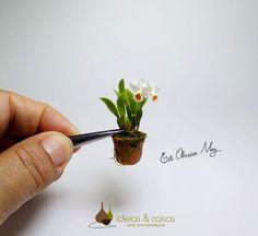 Réplicas de orquídeas em miniaturas