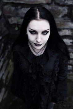 ✔️ 20 inspiration of Goth Girl Makeup you can do in 2020 - Orlando Solution Gothic Steampunk, Victorian Gothic, Gothic Lolita, Gothic Dress, Steampunk Vest, Gothic Chic, Steampunk Necklace, Hot Goth Girls, Gothic Girls