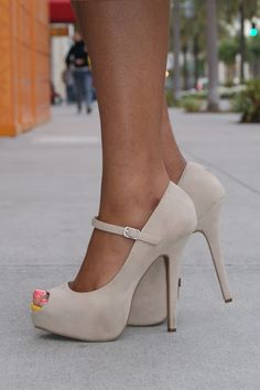 Mary Jane platforms   CLICK THIS PIN if you want to learn how you can EARN MONEY while surfing on Pinterest