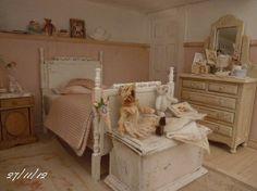Miniature Love.....beautiful miniature bedroom