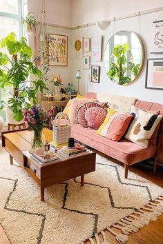 Home Living Room, Living Room Designs, Living Room Decor, Bedroom Decor, Quirky Living Room Ideas, Decor Room, Aesthetic Room Decor, New Room, Home Decor Inspiration