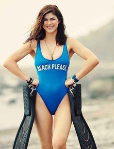 Alexandra Daddario Wallpapers and beautiful Images Beautiful Celebrities, Beautiful Actresses, Gorgeous Women, Beautiful Images, Mädchen In Bikinis, Bikini Swimwear, Woman Crush, Celebs, Sexy Women