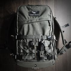 Sometimes I resent just how useful MOLLE is. The Hike variant is taking shape. Custom compression system, Sternum strap and… Tactical Pouches, Tactical Backpack, Molle Backpack, Molle System, Man Bags, Outdoor Men, Taking Shape, Survival Kits, Knifes