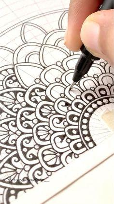 Mandala Art Lesson, Mandala Artwork, Mandala Painting, Mandala Drawing, Zentangle Patterns, Mandala Pattern, Mandala Design, Zentangles, Carillons Diy