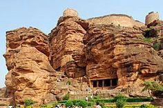 Badami, formerly known asVatapi, is a town and headquarters of atalukby the same name, in theBagalkot districtofKarnataka,India. It was the regal capital of theBadami Chalukyasfrom 540 to 757 AD. It is famous for its rock cut structural temples. It is located in a ravine at the foot of a rugged, redsandstoneoutcrop that surrounds Agastya lake. Badami has been selected as one of the heritage cities forHRIDAY - Heritage City Development and Augmentation Yojanascheme of Government…