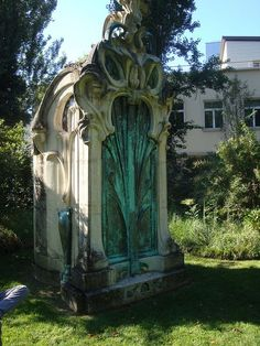 Art Nouveau tomb in Nancy, France... not to be morbid, but if you had a tomb, wouldn't you want this one..?