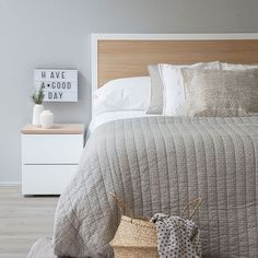 Diy room decir for teens bedrooms small spaces headboards Ideas Farm Bedroom, Home Bedroom, Bedroom Decor, Bedrooms, Bedroom Ideas, Home Confort, Modern Master Bedroom, Bedroom Colors, New Room