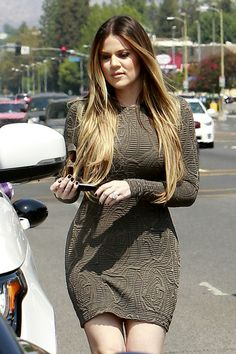 Khloe Kardashian Celebrity Inspired Brazilian Ombre Brown Blonde Tape in Straight Invisible Skin Weft Hair Extension Khloe Kardashian Hair Ombre, Koko Kardashian, Khloe Kardashian Photos, Hair Extensions Best, Inspirational Celebrities, Ombre Hair, Swagg, Cool Hairstyles, Hair Beauty