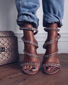"Lorna on Instagram: ""My strappy 'kirakira' sandals went into sale ...link in my bio, on stories & here @liketoknow.it.europe http://liketk.it/2u6bq"" • Instagram"