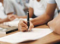 Estudantes que fizeram o Enem em 2013 e queiram ingressar em uma universidade pública podem concorrer a uma das vagas.