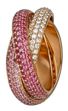 anillo Trinity de Cartier con diamantes rosas y zafiros, no es súper romántico?? #weddings #brides