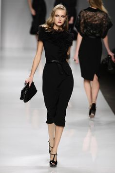 Mariella Burani. Would look aaaamazing with some short black driving gloves...
