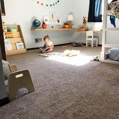 A Montessori toddler bedroom