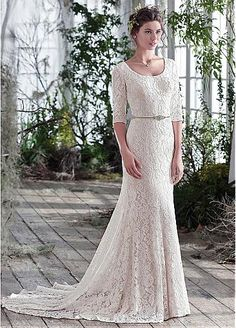 Elegant Lace Scoop Neckline Sheath Wedding Dresses With Beadings