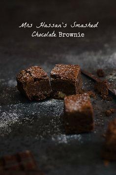 Mrs Hassan's smashed chocolate brownie Walnut Brownie Recipe, Brownie Recipes, Cookie Recipes, Brownie Desserts, Chocolate Brownies, Chocolate Desserts, Chocolate City, Dessert Cake Recipes, Great Desserts