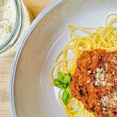 Vegán bolognai szósz | Vegán Blog - Vegán receptek, receptkönyv, blog Bologna, Tofu, Spaghetti, Vegan, Ethnic Recipes, Lasagna, Vegans, Noodle
