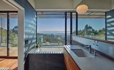 Striking contemporary home offers dramatic California skyline views