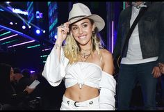 Miley Cyrus Beefs With Dolce & Gabbana on Instagram