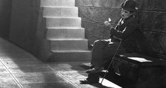 Charles Chaplin in City Lights 1931 Vevey, Charlie Chaplin City Lights, City Lights Chaplin, City Lights 1931, City Lights Movie, Charles Spencer Chaplin, The Blues Brothers, Pantomime, Silent Film