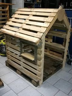 31 Indoor Woodworking Projects to Do This Winter - wood projects Repurposed Pallet Ideas & Wooden Pallet Projects Pallets Pro