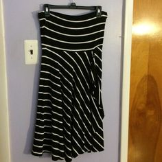 One Day SaleStrapless striped dress This strapless Ann Taylor dress is practically new and ready for a new owner! Ann Taylor Dresses Strapless